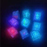 LED Ice Cube Multi Color Changing Flash Night Lights Flytande Sensor Vatten nedsänkbar för jul Bröllopsklubb Party Dekoration Ljuslampa
