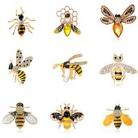 Fashionable Rhinestone Bee Brooches Gifts for Women Enamel Animal Insect Spider Brooch Pin Bugs Jewelry Scarf Clip Broach