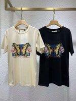 2021 여름 패션 스타일리스트 티셔츠 화려한 나비 장미 인쇄 클래식 편지 여자의 셔츠 코튼 남자 디자이너 티셔츠 화이트 블랙 의류 반팔 S-3XL