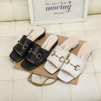 Тапочка и сандалии для женщин плоские кожаные пляжные ботинки с одной кнопкой лето 2021 мягкие подошвы