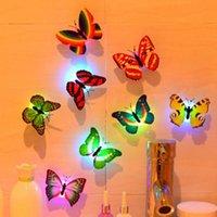 庭の装飾カラフルな輝く蝶の二重層夜のライトLEDの装飾的な壁のランプ(3つのAG3ボタン電池付き)