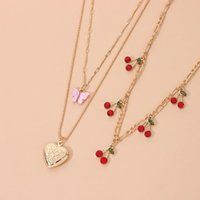Chokers Sweet Peach Heart Acrylic Butterfly Pendant Necklace For Women Cute Red Crystal Cherry Clavicle Chain Party Jewelry