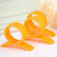 1pcs Plastic Orange Peeler Parer Fruit Tools Finger Type Open Oranges Lemon Grapefruit Peel Device Kitchen Gadgets Cooking Accessories wzg TL1053