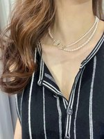 2021 Estilo de moda Calidad de lujo Charm Colgante Colgante con diseño de corona de perlas y diamantes para mujeres Regalo de joyería de boda tiene sello de caja PS3261