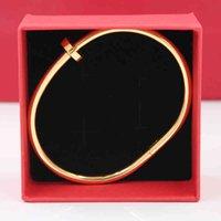 Marca Pulseras de uñas Brazaletes de lujo Accesorios Accesorios Accesorios Accesorio Joyería Mujeres Y Masculinos Femme