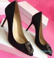 2021 -Designeur Party Mariage Chaussures Mariée Femmes Femmes Sandales Fashion Sexy Robe Chaussures Modé Toe High Talons High Talons Glitter
