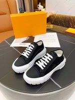 Casual toile chaussure homme femme hommes femmes chaussures plate-forme de caoutchouc inspirée des pneus de motocross définit une conception inhabituelle de ces nylon 0715