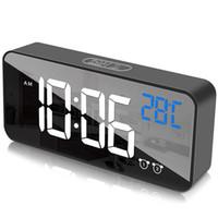 Reloj de alarma digital para dormitorios LED Pantalla con cargador de puerto USB, 12/24 h, 2 alarmas Reloj, Detección de temperatura, 0-100% Brightnes Otro reloj