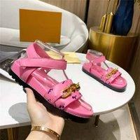 Mode Designer Sommer Frauen Sandalen eingelegte flache bodenmetallkette dekorative rosa leder barfuß beiläufige schuhe strand römische hausschuhe