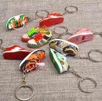 1 pair بارد 3d ستيريو كرة السلة رياضة المفاتيح امرأة الرجال الاطفال حلقة مفتاح اليدوية الأحذية الرياضية الحلي حقيبة يد حقيبة مفاتيح سلسلة زوجين