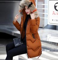 Winterfrauen lange Baumwollmäntel Kappe Farbe Pelzkragen Outwear Weibliche Dicke Mantel Flut Großhandel Rabatt Damen Parka Down Parkas