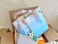 Mavi Pembe Alışveriş Torbaları Çanta Moda Degrade Kravat Boya Baskı Harfler Büyük Logo Çiçek Solunum Kapasitesi Yüksek Kalite Bir Omuz Dizüstü Anne Çantası 32 cm