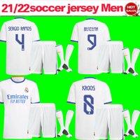 Gerçek Madrid Futbol Forması Takım 21/22 Erkekler Yetişkin Benzema Modric Kroos Ev Beyaz Futbol Gömlek + Şort + Çorap 2021/2022 Hayranları Sürüm Asensio ISCO Futbol Üniformaları Kiti