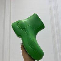 2021 Últimas botas de mujer Botas de caramelo Zapatos impermeables de goma para mujer Caminata para mujer Tobillo lluvia ocio grueso abajo Aumento de tacón corto Puddle Luxury 35-40