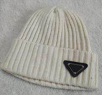 2021 Winer AutumnEurope Designer fashion triangle logo beanies Twist hats bonnet beanie knitted wool skull Thicker mask Fringe man caps