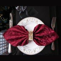 Serviette de table Yryie 10pcs / lot 48cmx48cm Polyester Square Square Serviettes pour la décoration d'anniversaire de mariage Tissu coloré brodé