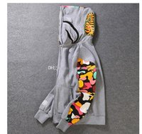 새로운 남자의 옷 후드 재킷 회색 위장 상어 인쇄 남자 패션 코튼 후드 스포츠웨어 내부 양털 후드 스웨터