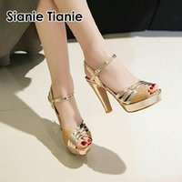 Sianie Tianie 2021 Патентная кожа PU Glitter Bling Peep Toe Женщины Сандалии Super Thin High Saceels Свадьба Платье Обувь Sandal