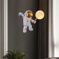 İskandinav Yaratıcı Spaceman Astronot Reçine Ay Topu Duvar Lambası Çocuklar Yatak Odası Başucu Aplikler Koridor LED Gece Işıkları