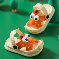 Chinelos de crianças meninos e meninas antiderrapantes anti-colisão sandálias de bebê verão bonito desenhos animados chinelos 210713