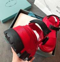 2022 Frühling Sommer Frauen Luxus Designer Sandalen Mode Gute Qualität 3 Farben Echtes Leder Hakenschleife Flat Heeel 35 bis 40 Milano Marke