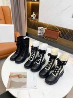 2021 클래식 레이스 업 부츠 블랙 송아지 가죽과 스웨이드 신발 안에 흰 코튼 TPU 밑창 고품질 여성 부츠는 드레스 또는 청바지 크기 35-41