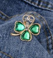 Cute Small High Quality Green Leaf Crystal Brooches Pins for Women Girl Men Christmas Gift Demin Shirt Decor Brooch Pin Metal Kawaii Badge
