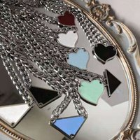 2021 Luxurys pingente colares moda para homem mulher 48 cm invertido triângulo designers marca jóias mulheres mulheres altamente 19 colar modelo