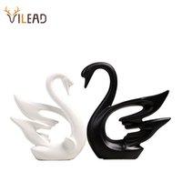 Vilaad 2pcs / Set Cocka Coppia di ceramica Swans Figurine Nordic Nero Black Bianco Ornamenti Regali di nozze Soggiorno creativo Decor 210318