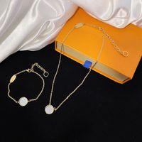 Mode Halskette Luxus Anhänger Halsketten Liebe Armband Für Mann Frauen Designer Schmuck Armbänder mit Kasten