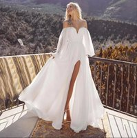 2022 Chiffon Boho Wedding Dress Off The Shoulder Split Front White Charming Outdoor Bridal Gowns Zip Back Long Puff Sleeves Plus Size Marriage Reception Dresses