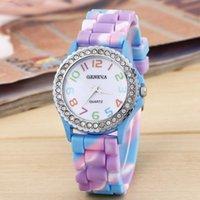 Genève Rainbow Femmes Regarder Quartz Montre-Bracelet Fashion Silicone Purple Loyal Loyal Diamond 2021 Bracelet de marque Mesdames Bracelet Coloré Designer Bracelet