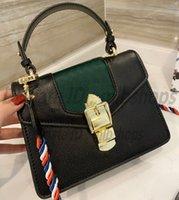 Yüksek Kaliteli Moda Bayan G Luxurys Tasarımcılar Omuz Çantaları Ladys Çanta Cüzdan Debriyaj Baskılı Arı Kelebek Donanma Çantası Kılıf Crossbody 2021 Çanta Çantalar En Iyi