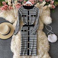2021 Frühling Mode Design Frauen Oansatz Langarm Hunde Hundekelgitter Gestrickte Hohe Taille Bleistift Kleid Knielange Kleid
