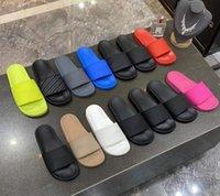 Tasarımcılar Luxurys Marka Sandalet Erkek Bayan Yaz Plaj Slayt Terlik Comfort Çevirme Deri Geniş Unisex Ayakkabı Kutusu Ile