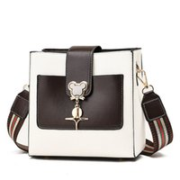 2021 Dinner bag luxury totes designer handbag women's classic letter print with wide shoulder strap messenger fashion women wallet high gquality lqwes