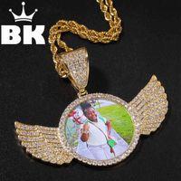 Der Bling King Custom The Wings of Engel benutzerdefinierte Foto Anhänger Halskette Gold Farbe Full Euro aus Zirkon Runde Tag Hiphop Schmuck 210323