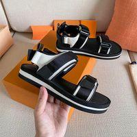Роскошные женские сандалии дизайнерские повседневные туфли летние уличные пляжные леди бренд флип флоп высококачественная платформа для платформы аркады обуви нескользящие плоские удобные кроссовки