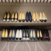 100% couro 2021 Designer Deluxe Women's Women's Ballet Shoes Flat, Casual, Solas Macias, Salto baixo, Impressão de Luz