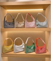 Son elmas kadın omuz çantası 2021 yaz 8 renk koltukaltı cüzdanlar moda lady tasarımcılar lüks marka çanta bling naylon yüksek kaliteli parlak çanta