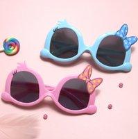 Fashion Kids Dessin animé Polka Doons Bow Cadre Sunglass Boys Gilrs Silicone Soft UV Protection Polarize Sunglasses Enfants Plage Sunblock A6704