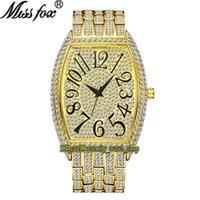 MissFox Eternidade V319 Hip Hop Moda Mens Mens Relógios CZ Diamond Inlay Dial Movimento de Quartz Homens Assista Gelado de Liga de Diamantes Case Pulseira de Ouro