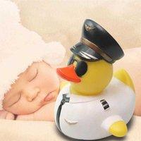 1PC 베이비 샤워 고무 오리 귀여운 파일럿 오리 물 장난감 창조적 인 만화 샤워 부동 장난감 아기 수영 장난감 Y0809