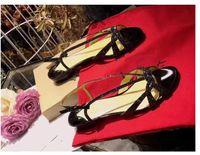 Элегантные - летние сандалии женщины низкий каблук кристаллы горный хрусталь обувь красный нижний блестящий блеск кожаные плоские каблуки женские вечеринки свадебное платье EU35-43