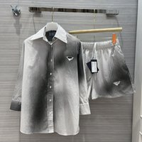 2021 Iki Parçalı Elbise Yaka Boyun Çizgili Baskı Gömlek Ve Bayan Moda Şort 2 Parça Setleri 0320-7