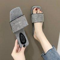 Summer Fashion Design Rhinestone Women Slippers Sandals Antiskid Flat Sole Slippers Woman Sandals Slides Beach Shoes Plus Size