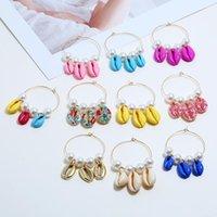 Boucles d'oreilles en or Circle Huggie Circle en or pour femmes Perles de perles rondes blanches coloré Coquille naturelle Summer Beach Géométrique