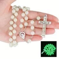 Lueur dans le noir Jesus crucifix croix pendentif collier nuit fluorescence chroupe prière perles perles colliers pour femmes filles mode bijoux