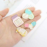 Pill Capsule Shape Letter Brooch Nurse Pharmacy Heart-shaped Brooch Cute Band-aid Brooch Mini Medicine Bottle Pins Fashion Badge H1018