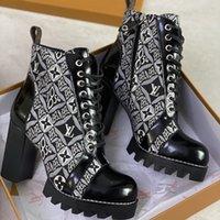 النساء مصمم أحذية مارتن الصحراء التمهيد فلامنجوس الحب السهم 100٪ جلد حقيقي ميدالية الخشنة عدم الانزلاق النساء الشتاء أحذية الحجم US5-11